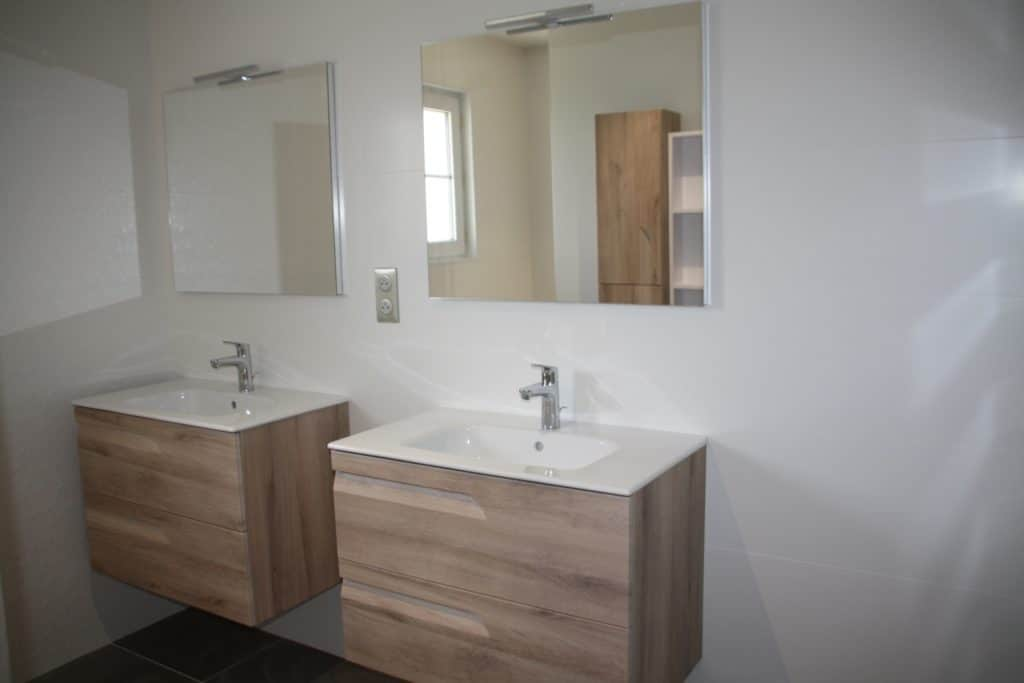 Double vasque salle de bains scandinave
