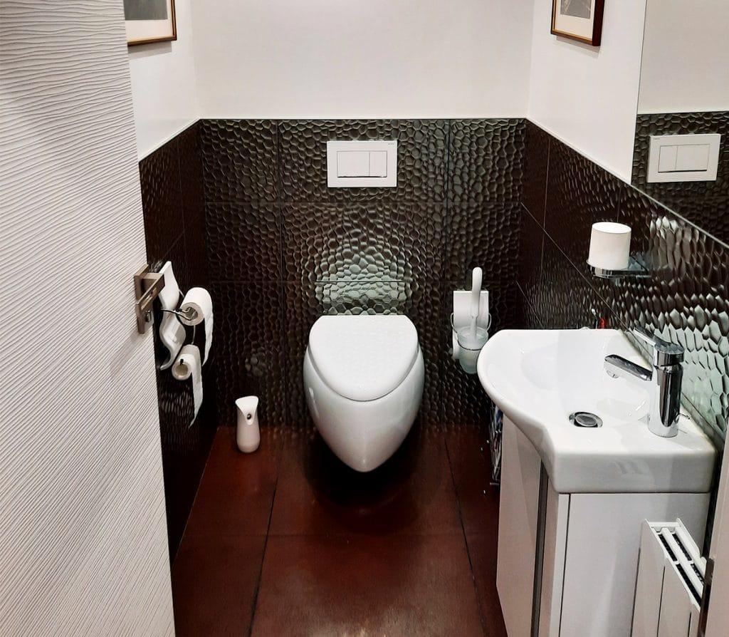 WC Moai Scarabeo