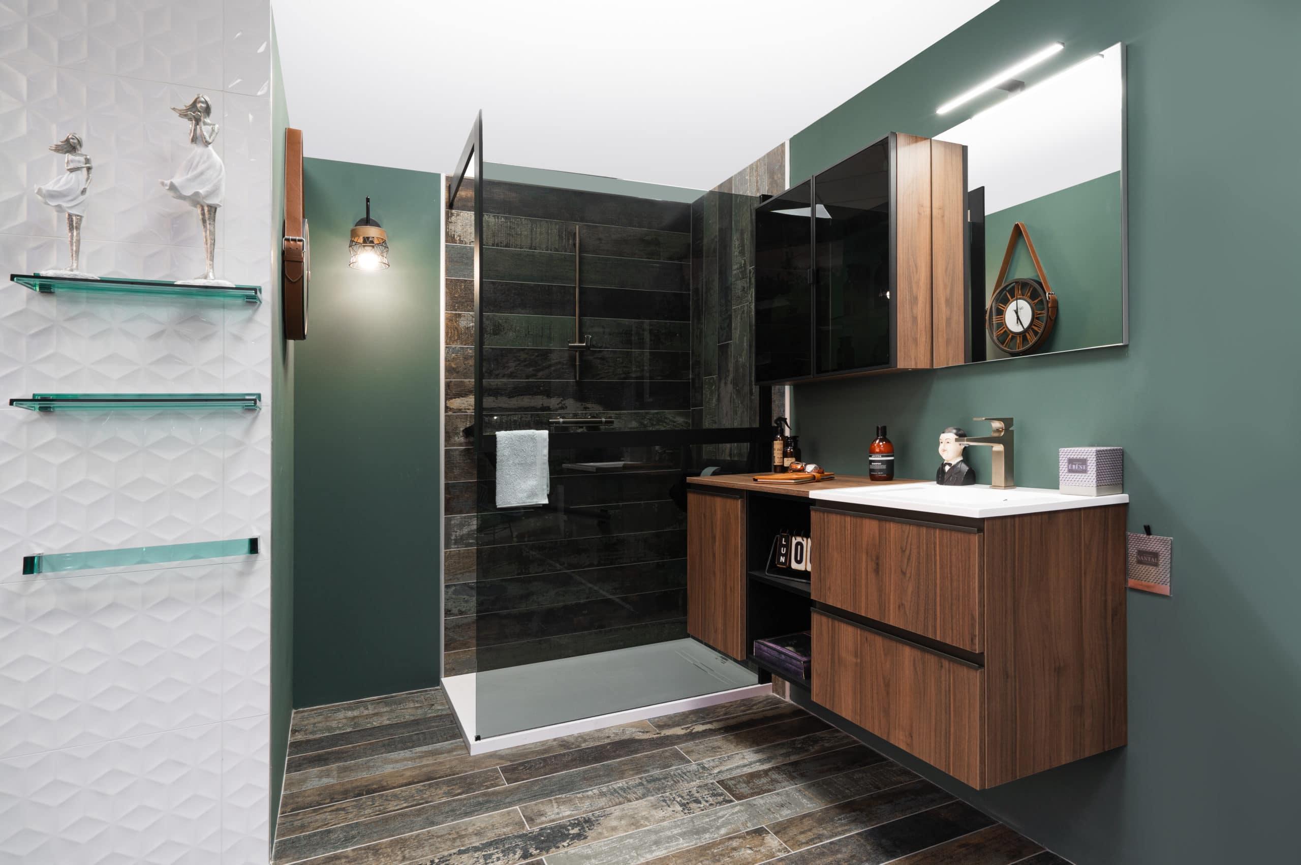 bois-noir-industriel-salle-de-bain